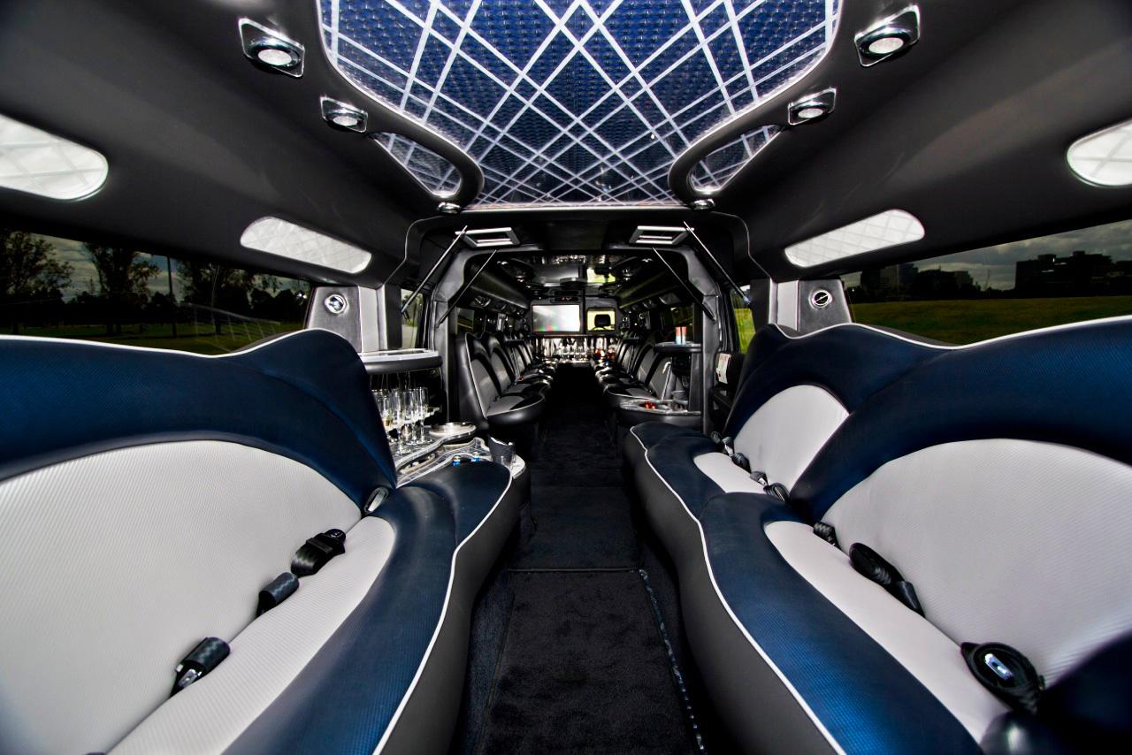hummer limousine melbourne - 24 seater